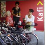 SeniorenZentrum Uzwil: Signaletik «Kafi», Velo-Unterständer, 2015)